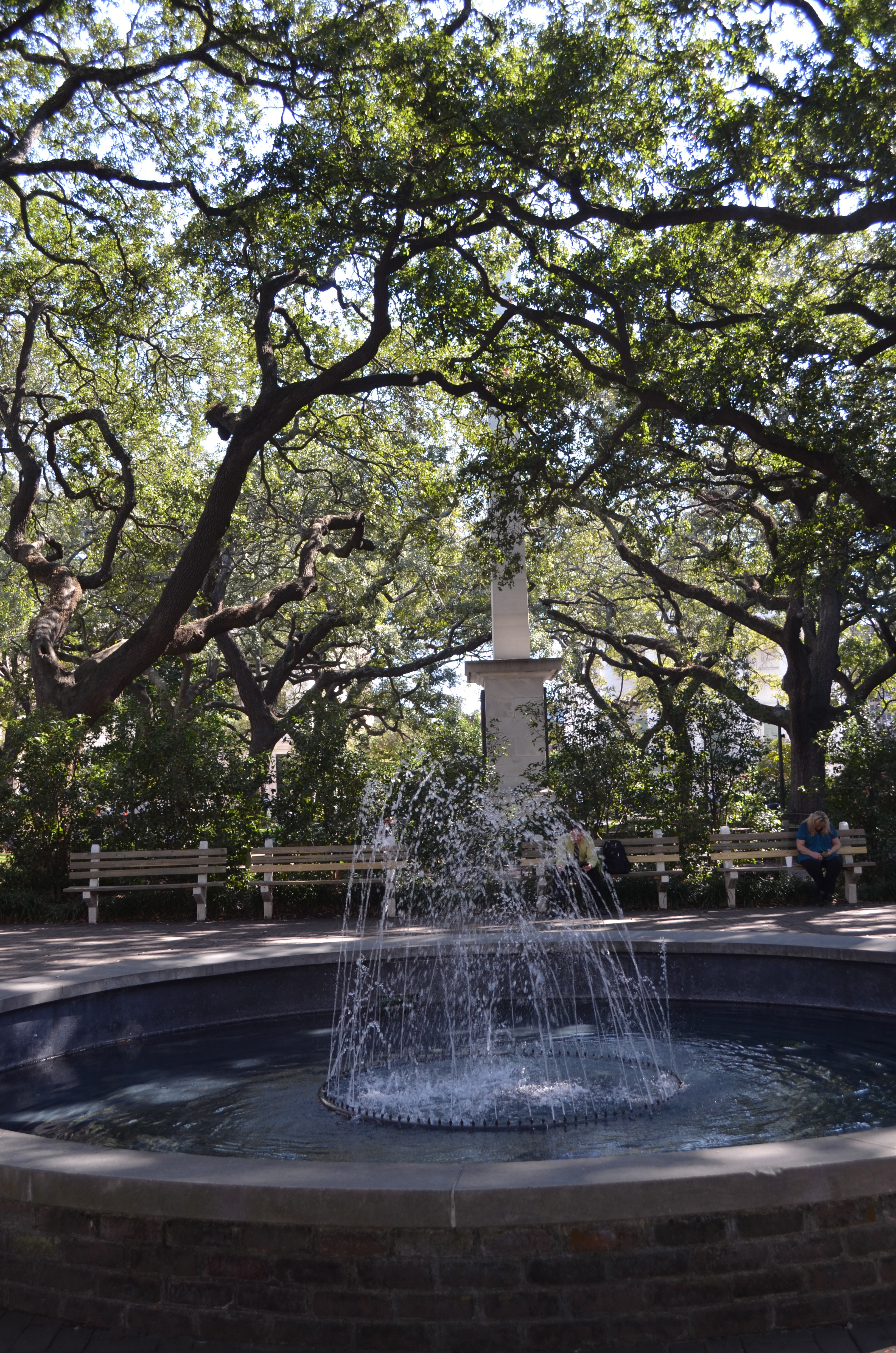 girl meets city savannah southern bon vivant savannah a town wrapped in the mystique of spanish moss laden oaks southern belle lore and historic homes meeting head on with a modern foodie mecca